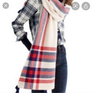 🆕 item 🌻🌻🌻J. Crew oversized plaid wool scarf
